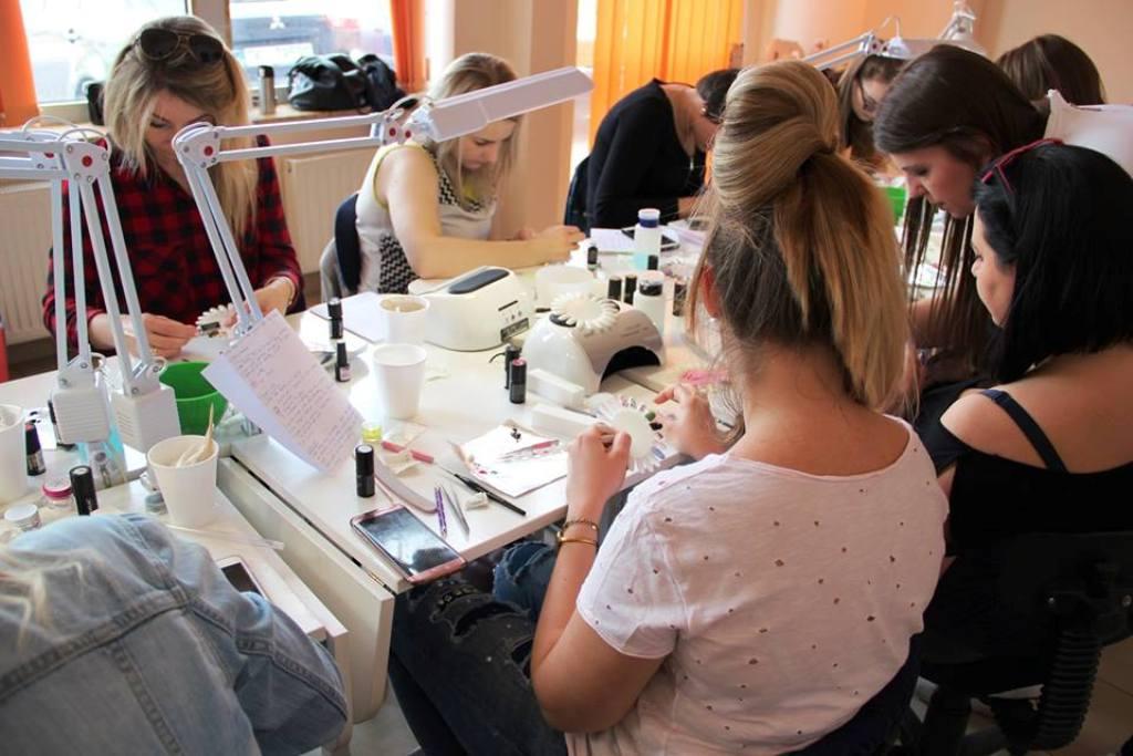 awans med kielce kierunek technik usług kosmetycznych