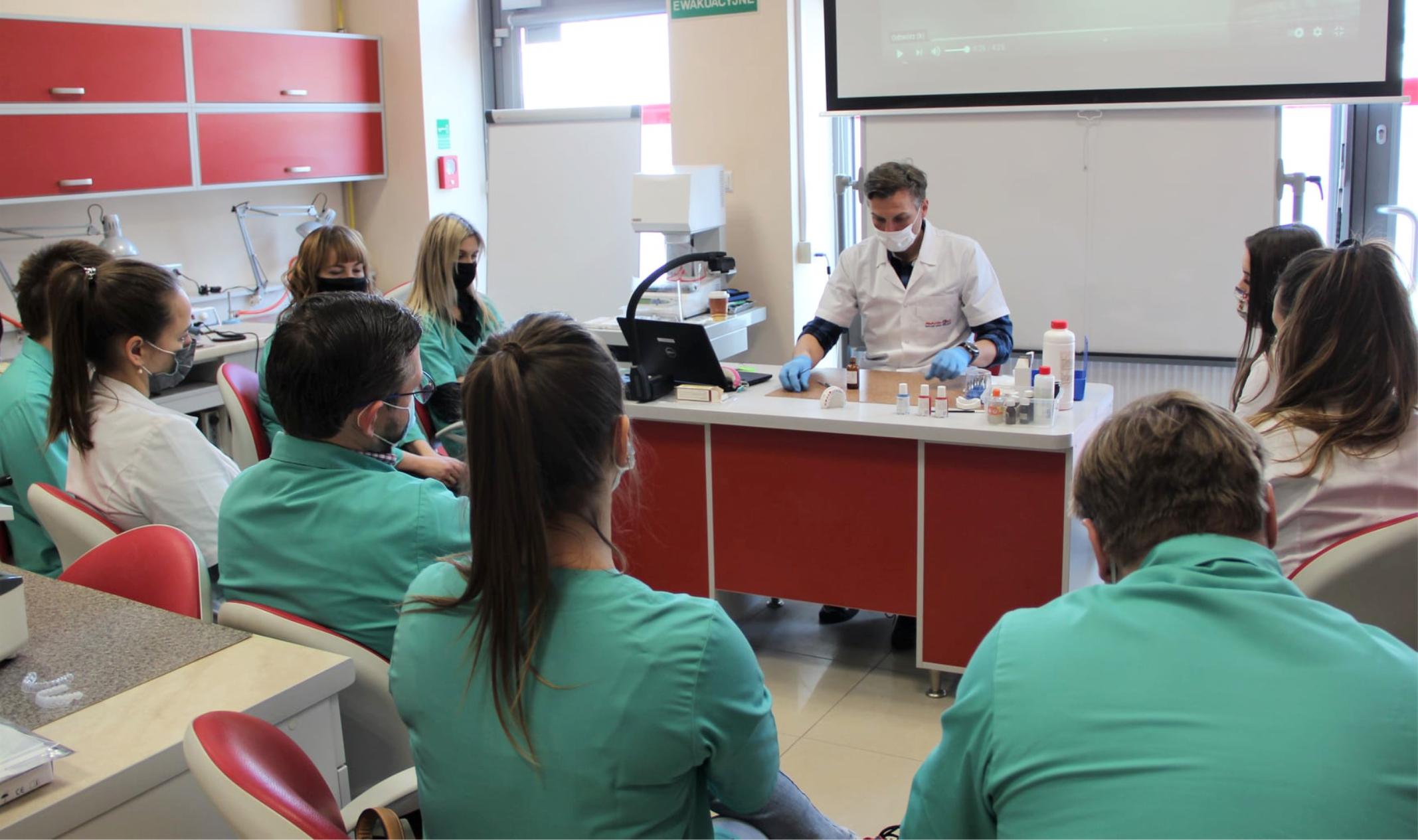 nauka w szkole medycznej kielce